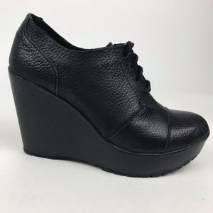 Kork Ease black lace up wedged ankle boots sz 8.5M